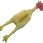 Pollo de látex de 51 cm, de Arquivet( 3,80 euros)